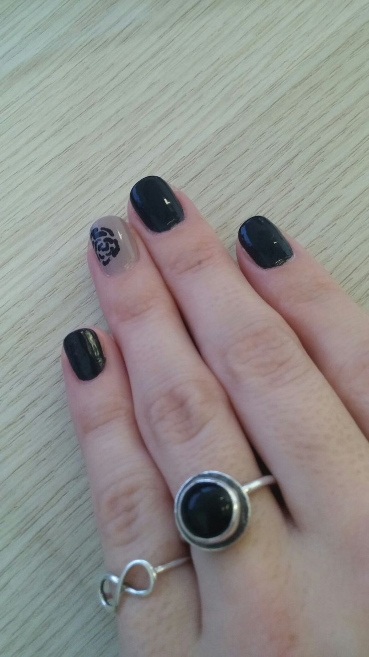 Dark rose #nailart