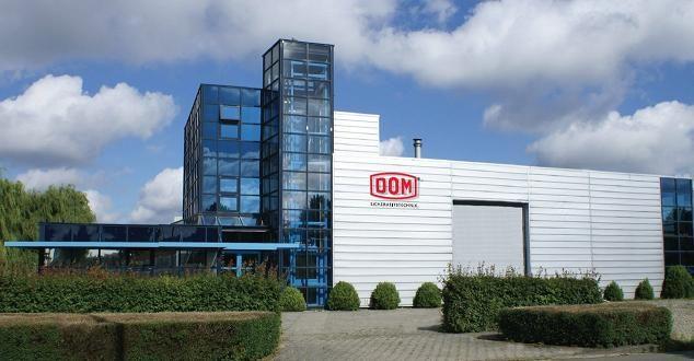 DOM Nederland   Verhuisd in April 2012 van Rijswijk naar Den Haag   Betreft kantoren, magazijn en de productiehal. Inclusief in- en uitpakken magazijn-inhoud en de- en montage stellingen en meubilair.   DOM Nederland behoort tot de meest gekwalificeerde bedrijven waar het gaat om sluittechniek op het hoogste veiligheids- en comfortniveau. Het productengamma omvat vrijwel alles van een praktische veiligheidscilinder voor de eengezinswoning tot aan elektronisch toegangsbeheer voor…