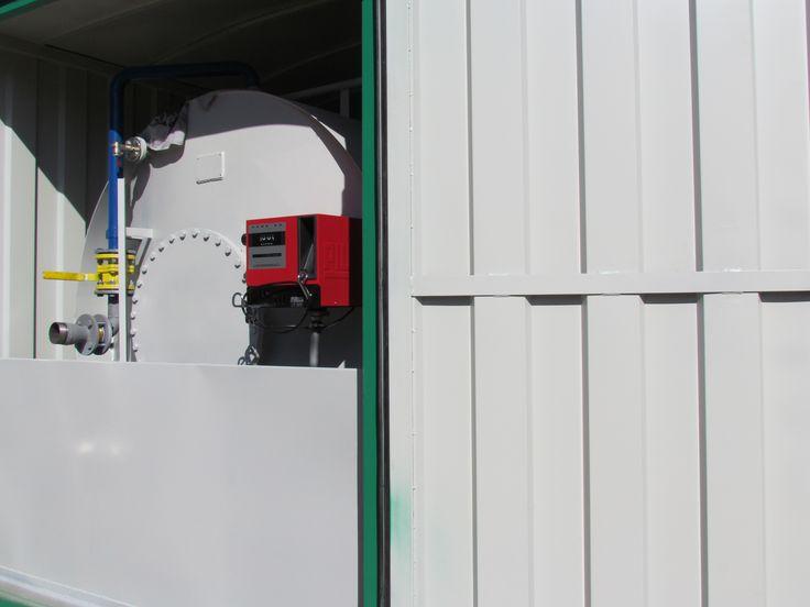 Az üzemanyag átvételtől az üzemanyag kiadáson keresztül egészen az üzemanyag felhasználásig ellenőrizzük az üzemanyag útját. Kérjen ingyenes tanácsadást a legoptimálisabb konténerkút   és a hozzá tartozó kiszolgáló rendszer kiválasztásához.
