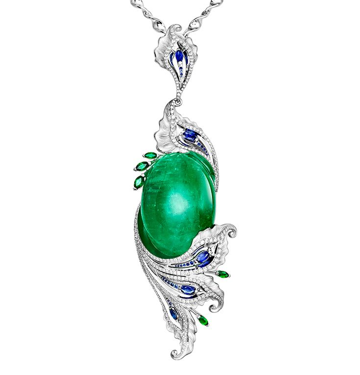 Ringo 105 carat emerald necklace with sapphires and diamonds