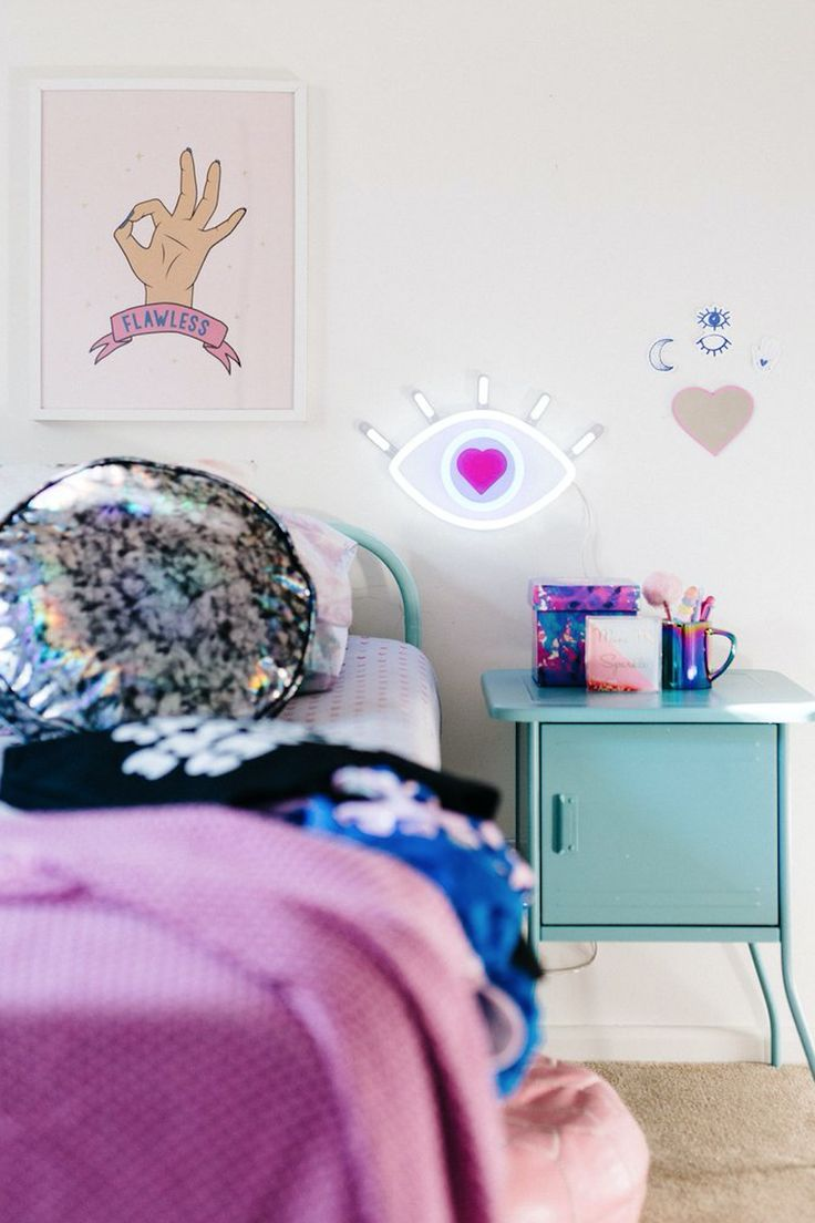 Best Unexpected Pieces to Add to Your Wall Gallery | Teen Vogue