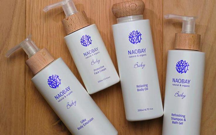 """LÍNEA """"BABY"""" PARA BEBÉS Esta línea para bebés de marca espanola Naobay*.  Con una decoración morada y con la sencillez que describe Naobay, esta una linea que presenta los productos principales para bebe.  Los ingredientes clave son el aceite de jojoba y el extracto de la Chufa. Ambos con propiedades calmantes y para pieles sensibles, porque las pieles inmaduras de los más pequeños necesitan un cuidado máximo. * NAOBAY = Natural And Organic Beauty And You"""
