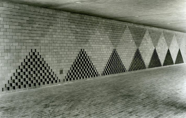 JOSEF ALBERS  Loggia Wall, 1967 brick 8 × 70 ft. (2.5 × 21 m) College of Science, Rochester Institute of Technology