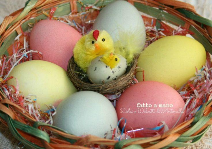 Uova colorate per Pasqua
