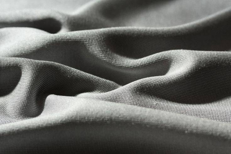 ELECTRA | Vestimentaire | Habillement | Un jersey de soie précieux au tomber ultra-fluide.