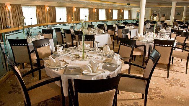Thistle Restaurant onboard Fred Olsens Braemar  #fredolsen #fredolsencruises @fredolsencruise