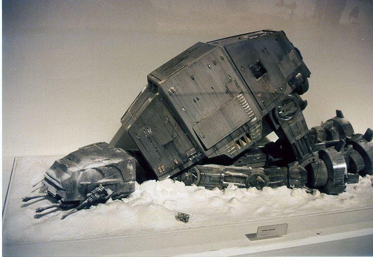 Art-of-Star-Wars-Exhibit-1995-Original-Prop-Blog-ATAT-2.jpg (860×594)