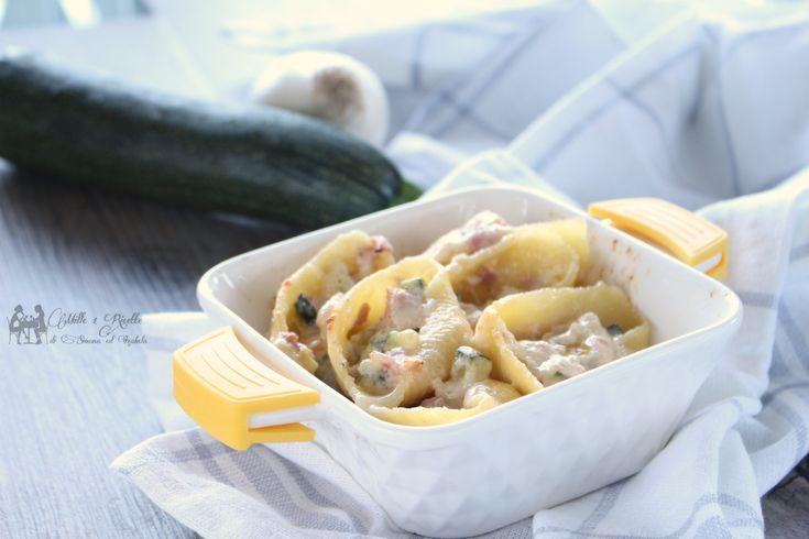 IConchiglioni gratinati con zucchina, prosciutto e besciamella, è un primo che amo, perchè amo follemente la pasta a forno, condimenti semplici arricchita