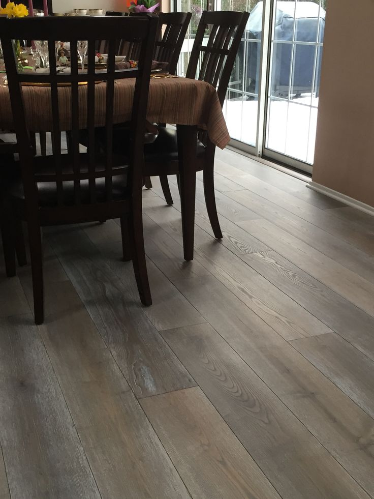 Beautiful wood floor using provenza wood 39 s old world for Old world floors