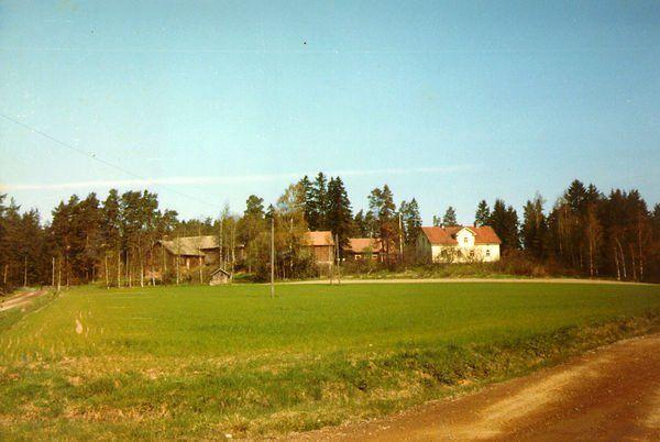 Kyla-Uotila kaukaa -82.jpg