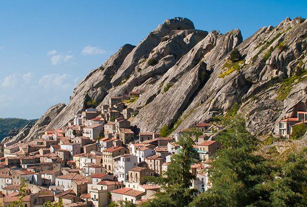 89 euro A COPPIA per SOGGIORNO IN SOGNI LUCANI da CASA DI CACCIA a PIETRAPERTOSA! #travel #food #mountain #panorama #natura #delicious #relax #basilicata