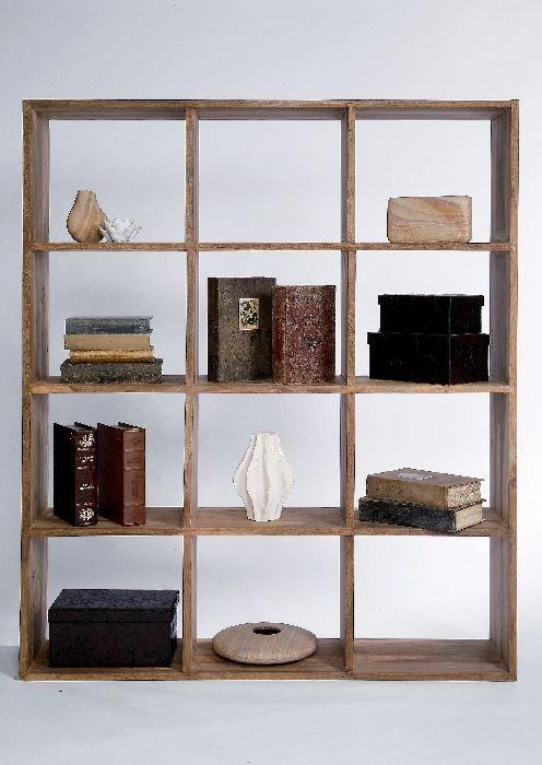 Βιβλιοθήκη Authentico (3 Στήλες) Εκμεταλλευτείτε σωστά και κομψά τον διαθέσιμο χώρο σας! Βιβλιοθήκη, κατασκευασμένη από μασίφ ξύλο sheesam, της σειράς Authentico.