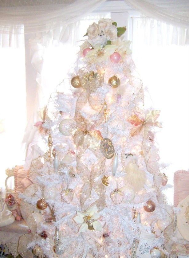 Decoration, Christmas Tree Decoration Ideas: Charming White Christmas Tree  For Living Room Decorating Ideas