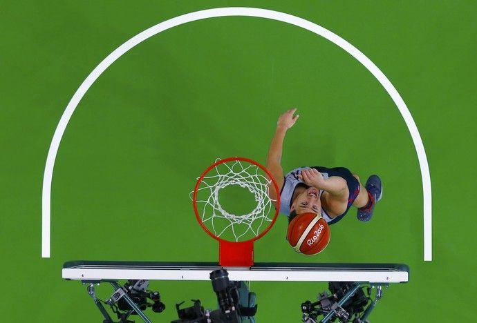 Klay Thompson treina com a seleção de basquete americana no Rio (Foto: REUTERS)