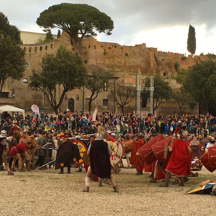 21/04 - Reconstitution de la naissance de Rome, combat contre les barbares. Ils sont fous ces romains... - Avr 2016 ©ROME Pratique