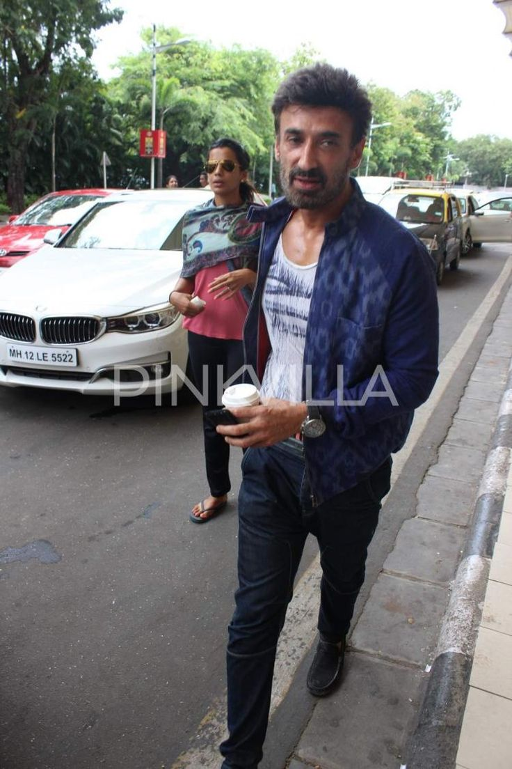 Love birds Rahul Dev and Mugdha Godse spotted at the airport! | PINKVILLA