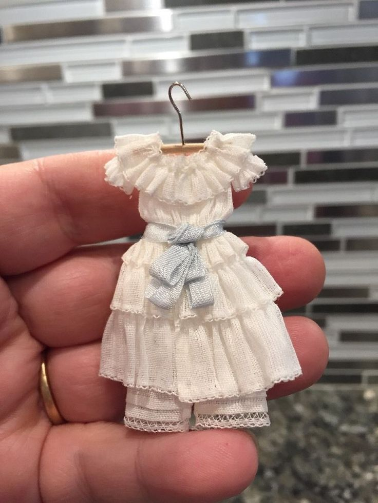 unknown artist - 1900's little girl's dress