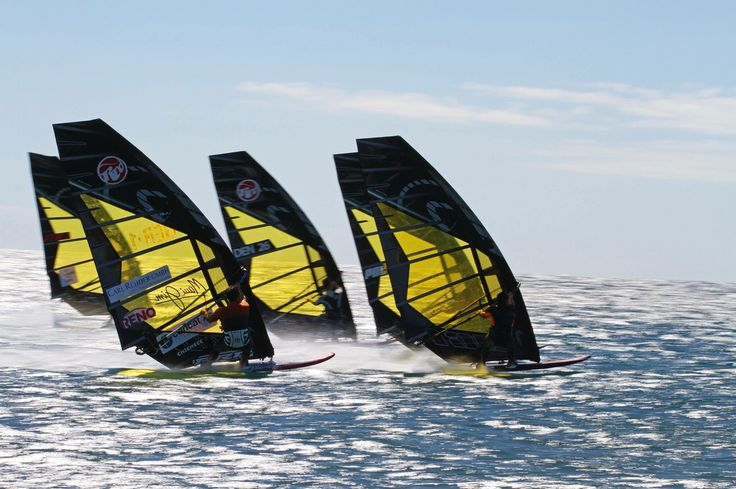 Black team windsurfing