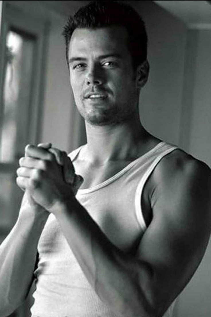 Josh Duhamel is the hottest TV actor? Vote here: https://www.facebook.com/photo.php?fbid=532554816780835=a.532554626780854.1073741836.481198495249801=3