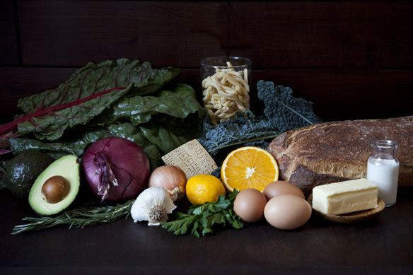 5 Links to Read Before Heading to the Farmers' Market: http://food52.com/blog/10217-5-links-to-read-before-heading-to-the-farmers-market #Food52