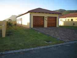 Hermanus Garden Route self catering accommodation - Mont Mare Simplex http://capeletting.com/hermanus/hermanus/mont-mare-simplex-109/ #capeletting