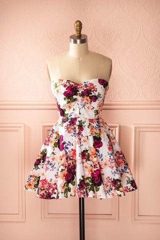 vintage inspiration, robe bustier patineuse, motif fleur printanier.                                                                                                                                                                                 Plus