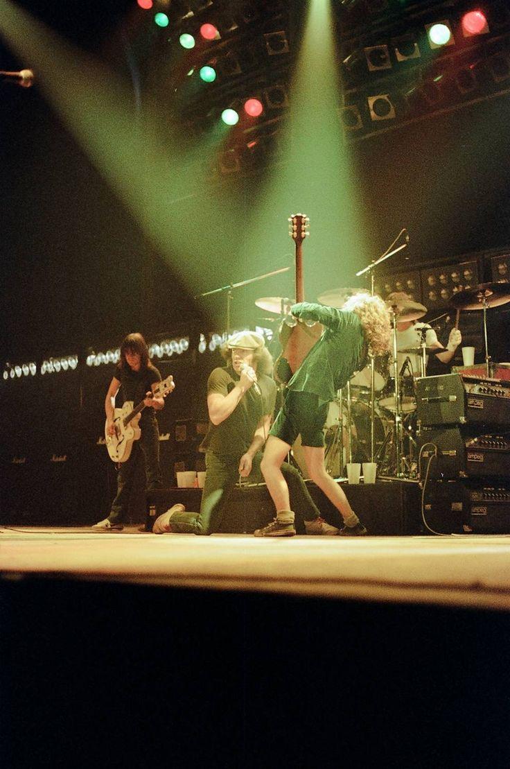 1980/08/26 - USA, Houston, Sam Houston Coliseum   Highway To ACDC : le site francophone sur AC/DC