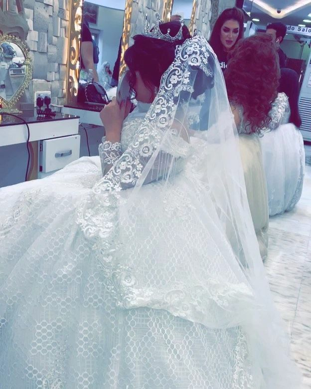 الـــكوافيـر ولاء المهندس مركز اريدو للتجميل مـــركز اريــدو عنـوان الجــمال بغداد شارع فل Wedding Dresses Lace Wedding Dresses Dresses