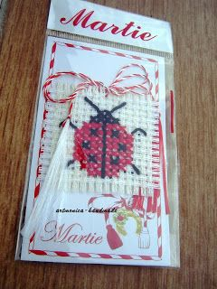 artmonica-handmade: MARTISOARE CUSUTE PE ETAMINA