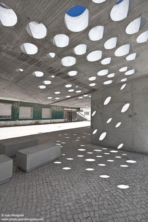 Best Stone Roof Circle Hole Tavan Delik Daire Skylight Light 400 x 300