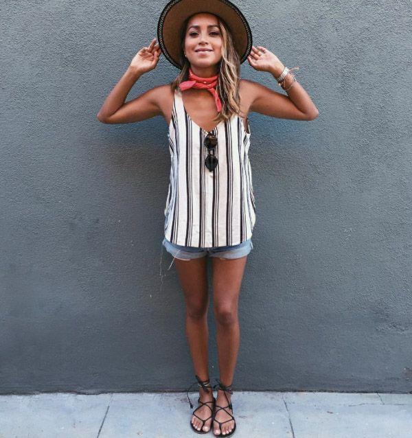 Julie Sarinana Street Style Shorts Jeans Summer Look