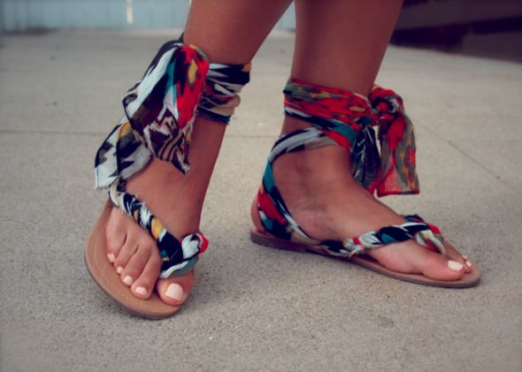 DIY Shoe Transformations that will Blow Your Mind - DIY for  Life --basic flip flops turned into *gladiator sandals* with fabric--