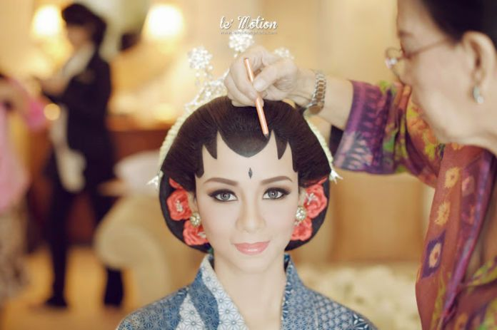 An inspiration for traditional make up | UCHA & AJIV by Le Motion | http://www.bridestory.com/le-motion/projects/ucha-ajiv