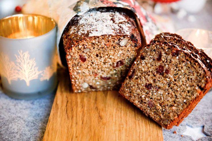 Vill du ha lite nybakat bröd som är riktigt snabbt, enkelt och smakrikt? Då är detta något för dig! Brödet blir extra saftigt av det rivna äpplet, och sedan kommer det små smakexplosioner från hasselnötter och tranbär. Ett riktigt gott bröd som du har klart på en timme! Ingredienser2 bröd: 2 dl fyrkornskross 1 dl […]