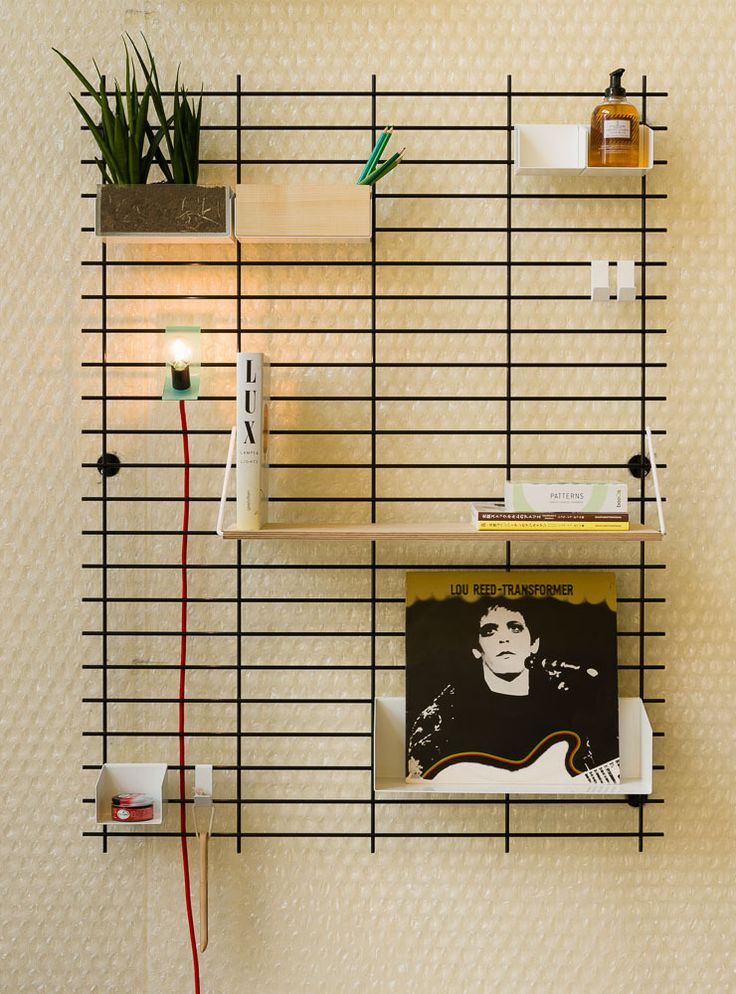 Best 25 wire shelves ideas on pinterest wire shelving for Attach wire to wall
