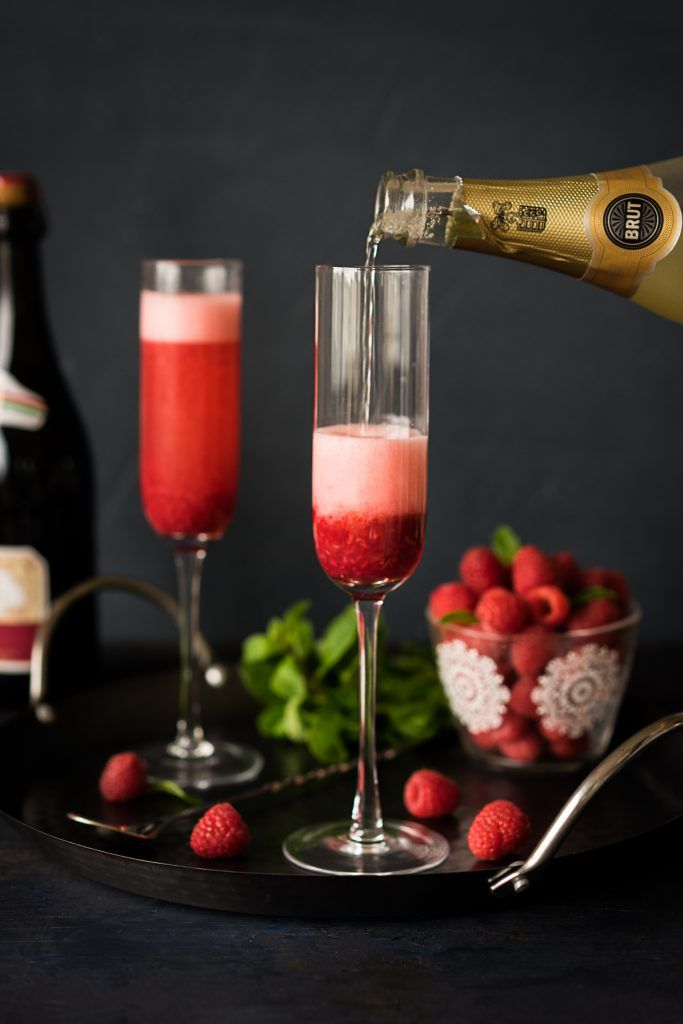 Don't know which drink to serve on you Oscar party, or any party? Then this delicious Raspberry Sparkling Cocktail is exactly what you need. It's incredibly festive and perfect for any occasion! Feel free to use any sparkling wine you like, Champagne, Prosecco, or Cava will be great as long as it's Brut and has lots of …