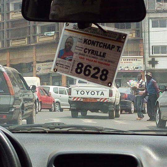 #PostPic - Les noms de chauffeurs dans les taxis au #Cameroun