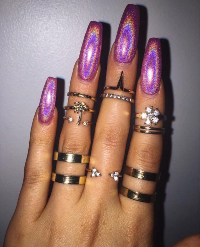 These Purple Shimmering Nails