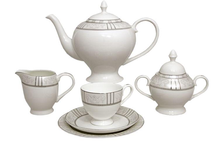 Чайный сервиз из костяного фарфора на 6 персон «Шенонсо»      Бренд: Emerald;   Страна производства: Китай;   Материал: костяной фарфор;   Количество персон: 6;   Количество предметов: 21 шт;   Объем чашки: 200 мл;   Объем чайника: 1,5 л;   Объем молочника: 300 мл;   Объем сахарницы: 350 мл;         Чайный сервиз из костяного фарфора на 6 персон «Шенонсо» состоит из:         6 чашек по 0,2 л;      6 блюдец;      6 десертных тарелок 18 см;      1 заварочный чайник 1,5 л;   …