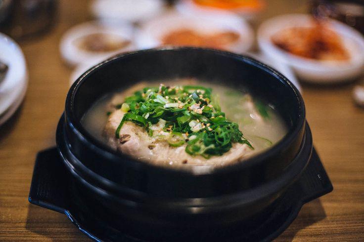 今天沒喝碗熱湯,真得對不起自己!!  再跟小編一起回味一下杉磯地區價廉物美的元盅湯水小鍋,讓溫暖的熱湯來撫慰因寒冷而瑟瑟發抖的身軀。 熱湯 LA >>http://wacowla.com/blog/2013/12/25/hot-soup-in-la/