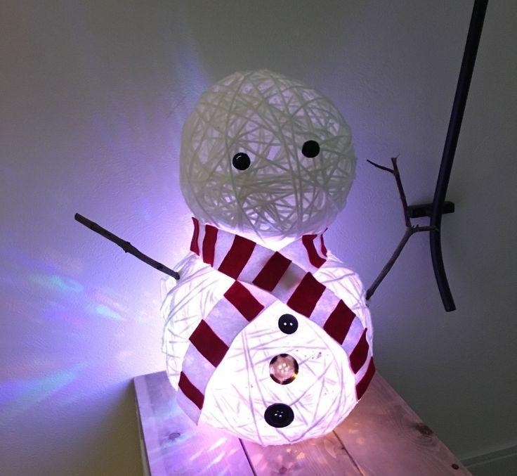 100均diyで手作りイルミネーション飾り スノーマンライトの作り方 大きなコットンボールの雪だるまでクリスマス飾り クリスマス 手作り クリスマス工作 お正月 飾り