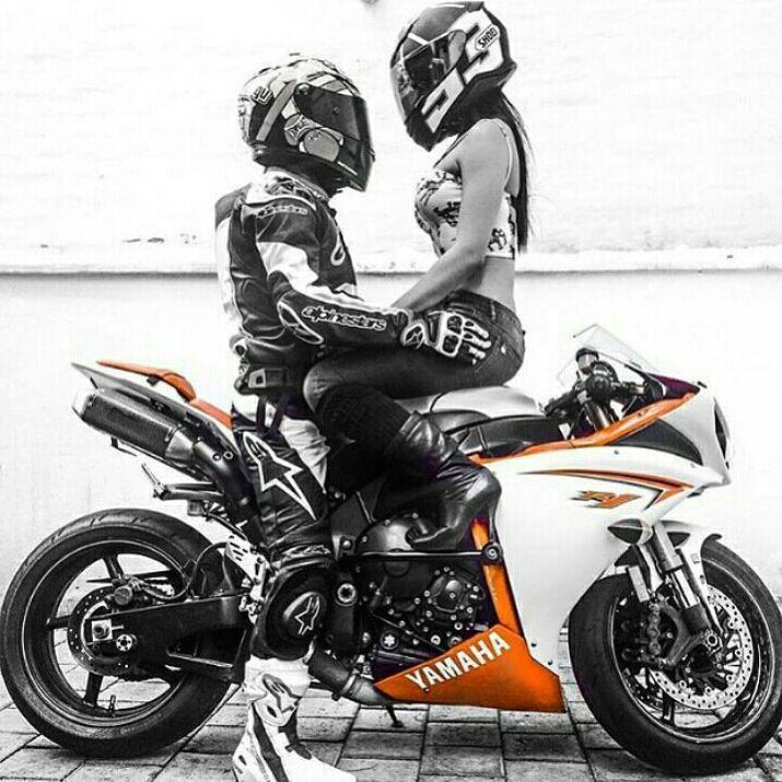 É amor!  #Yamaha #R1  #GASOLINAeVASELINA #CoisasdeHomem #CenasdeHomem #ManStuff #ManThings #Homem #Man #SuperMan #SuperHomem #aTuaPrima #aTuaPrimaAosSaltos  #Love #Wife #Girl #Couple #FreeStyle #Wheelie #SuperBike #MotorSport #Machine #Engine #Motors #Bike #RaceBike #InstaBike #Instalike #Instalove #IGers by gasolinaevaselina