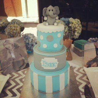 Elephant Themed Cakes | Elephant themed babyshower cake