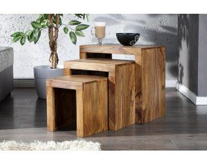 Zestaw trzech stolików z drewna shisham - 1