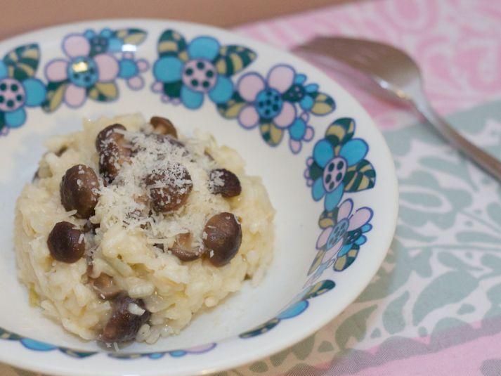 Tässä sinulle ihana, täyteläinen sienirisotto! #cremebonjoursuomi #risotto #tuorejuusto #sieni #sienirisotto www.cremebonjour.fi