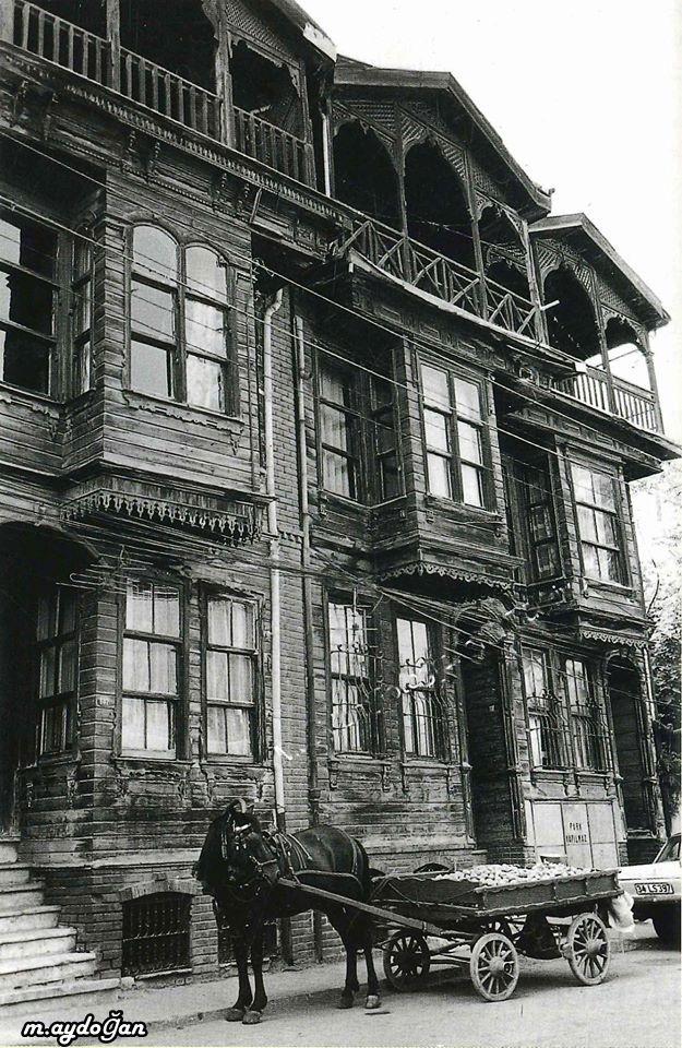 İstanbul'da Eski Bir Ev.