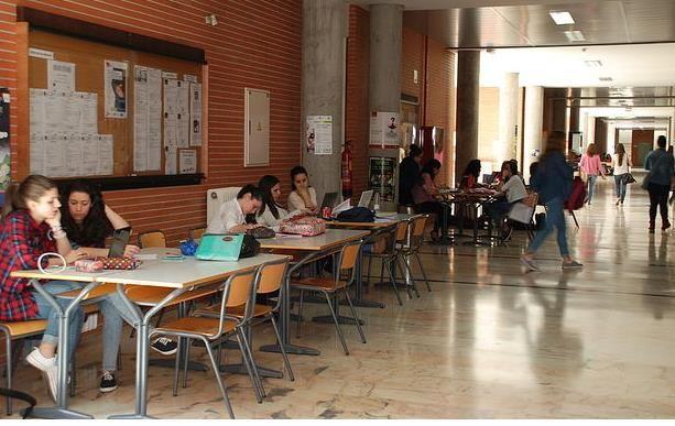 La UCLM celebra hoy en Talavera el Día Mundial del Trabajo Social - 45600mgzn