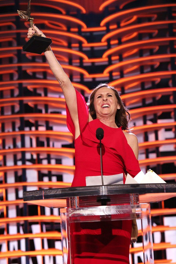 Watch Molly Shannon Strike Her Superstar Pose After Winning Big at the Spirit Awards