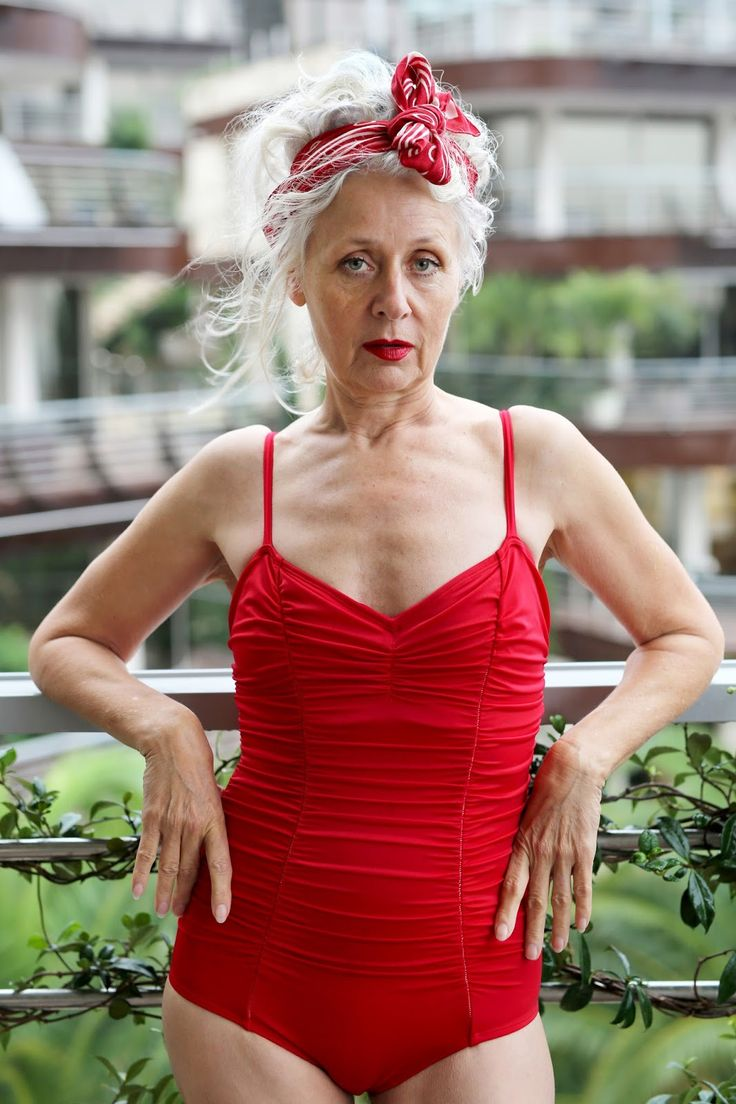 She showed the world indecently beautiful aging. Everything about how to be in great shape at 60