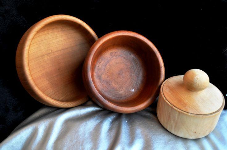 Ciotole in legno di ciliegio realizzate a mano al tornio